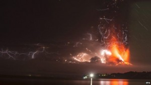 volcano-eruption-lightning2