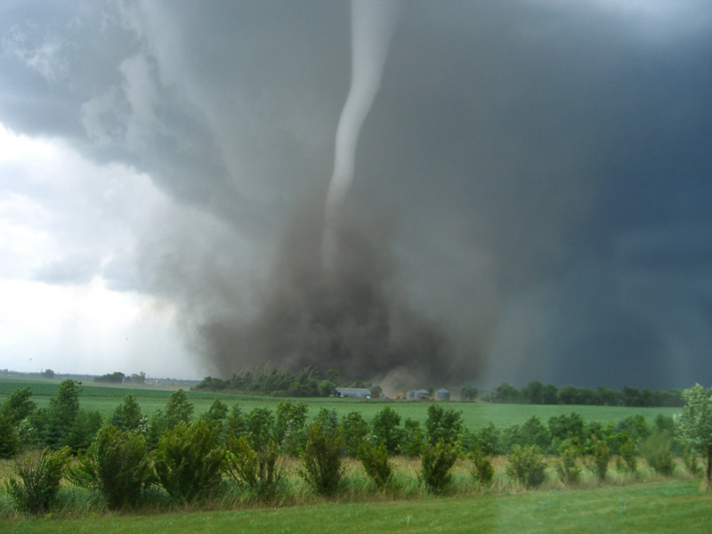 tornado causes and effects